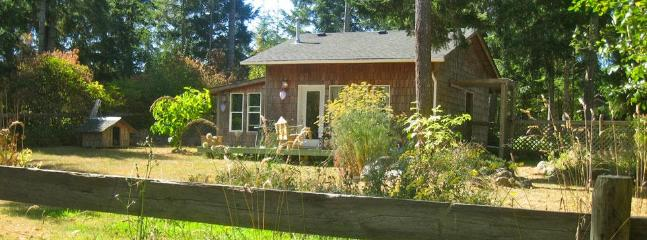 Honey Grove Cottage, Comox