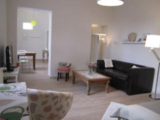 Vacation Apartment in Bonn - 387 sqft, quiet, modern, renovated (# 3330)