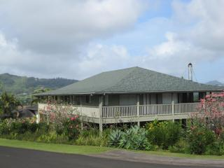 Spacious 3 BR Home! 12 minutes from Poipu Beach!, Kalaheo