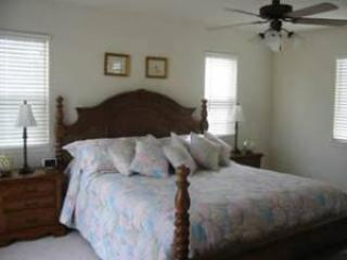 Master King Bedroom-Upstairs