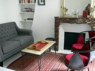 Apartment Bretonnerie apartment in Paris to let, marais apartment to rent, flat