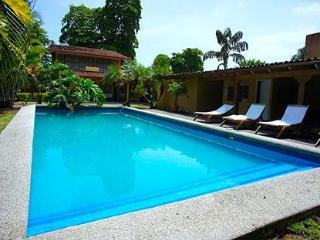 7 Bedroom Jaco Beach Front Casa Cortes- Nice!