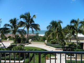 Luxury Condo in a Four Diamond All Suite Resort, Marco Island