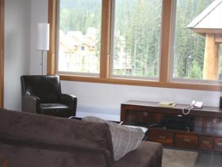 Kookaburra Village Center - 401, Sun Peaks