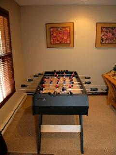 Den Fooseball Table