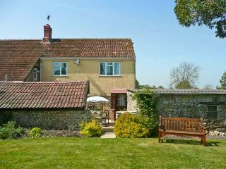 SOCKETY FARM COTTAGE, on a working farm, with enclosed courtyard and garden, wal