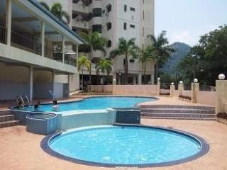 3-Bedroom Mountain View Apartment #Tambun - 8 Adults