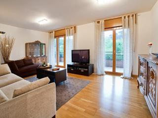 Beautiful 4 bedroom apartment. Free WiFi & Garage, San Sebastián - Donostia