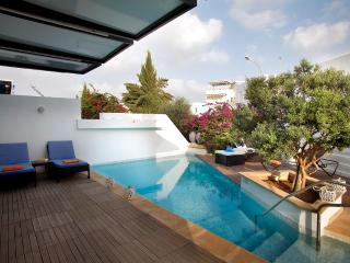 "Villa Mykonos ""2 minute walk from Beach"", Protaras"