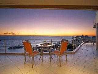 55 -  PENTHOUSE 2 BED -, Camps Bay