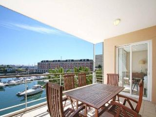185 - APARTMENT 3 BED -, Cape Town