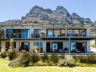847 - VILLA HELY, Camps Bay