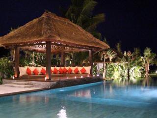 Beachfront Luxury Villa in the North Bali