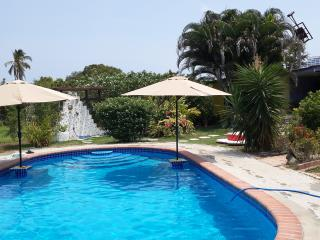 Cozy Casita - priv. proprty, big pool, near beach
