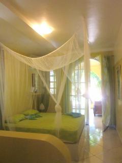Villa Amarilla , unteres Schlafzimmer, Aircond. , Schrank, rollstuhlgerecht