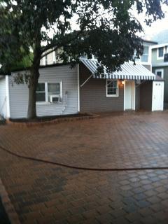 Andy Warhol paved driveway