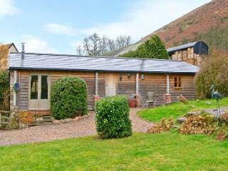 WILLOW BROOK BARN, single-storey cottage, with woodburning stove, garden, parking, walks from door, in Asterton, Ref 15524, Shropshire