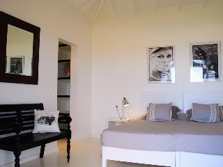 Serenity (LJF), Gustavia