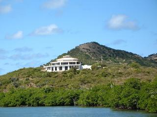 2 bedroom oceanfront home on Culebra, Puerto Rico