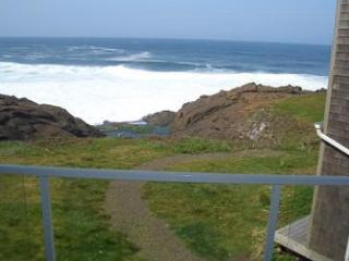 RSS Royal Pacific Oceanfront Condo Depoe Bay-3rd Night Free January Weekends