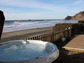Open 8/28-30 Shoreline Chateau Oceanfront &Hot Tub, Lincoln City