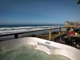 Open 9/6-10 Blue Dolphin -Oceanfront w/ Hot Tub, Lincoln City