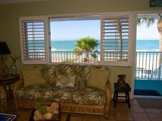 1 BEDROOM, LONGBOAT KEY, DIRECTLY ON THE BEACH