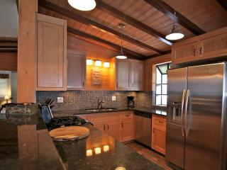 Lake Arrowhead Swiss Chalet - 5 bedroom / 3 bath