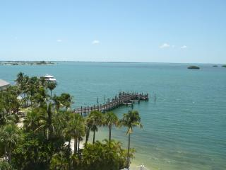 Luxury 4-Star Waterfront ~ Sanibel Bay View Condo ~ Private Beach and Pool