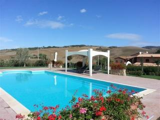 Villa Ilario vacation holiday villa rental italy, tuscany, siena, pool, view
