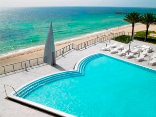 BEST BUILDING 3 BEDROOM- BEACHFRONT 36TH FL, Sunny Isles Beach