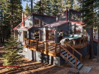 Northstar Getaway Pet Friendly Hot Tub, Truckee