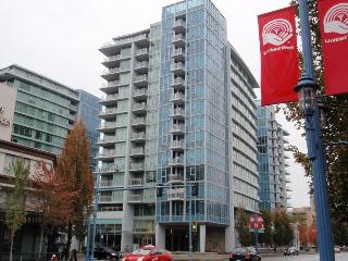 3BD/2BA Air-conditioned Apt by Sheraton Hotel