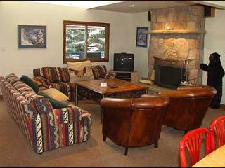 Secluded Condo - Close to Lifts (2603), Aspen