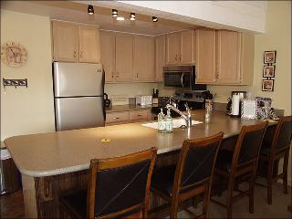 Snowmass Mountain Condominiums - Recently remodeled (3064), Snowmass Village