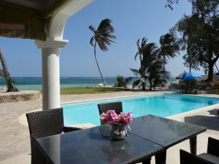 Baharini Pool Cottage, Diani Beach