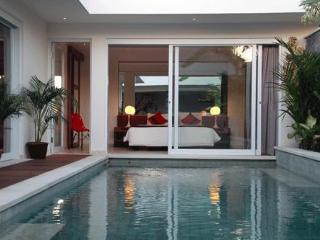 Villa Yasmee - Bali villa 2 bedrooms in Seminyak