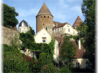 The Secret House, Semur-en-Auxois