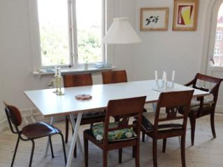 Lovely Copenhagen apartment at Enghave Park, Copenhague
