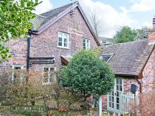 SLEEPY HOLLOW, off road parking, garden, in Jackfield, Ref 16362