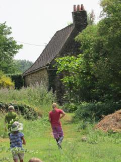 Kids return to gite from a hike