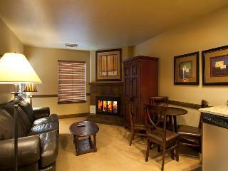 Copperbottom Inn #102