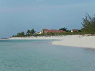 JODO - Sandy Pt - 7 Acres 2 NEW LUXURY VILLAS, North Caicos