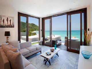 SeaRay, B4 at Tamarind Hills, Antigua - Waterfront, Pool, Panoramic Views, Saint Mary's