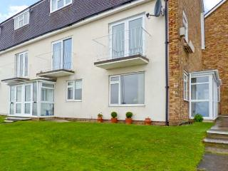 STONE BAY APARTMENT, ground floor accommodation, sea views, close to amenities