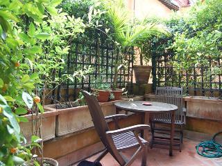 Luxury  Large Trilussa Apartment, Roma