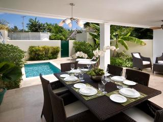 Caribbean Casas: Tranquil Villa PuraVida up to 6 guests, close to white sandy be