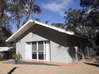 Careel Cottages are 2 X 2 Bedroom cottages . Please check photos for preferred, Katoomba