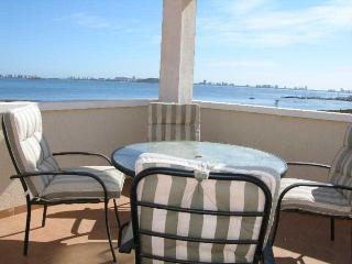 Penthouse - 360 Views - Communal Pool - Free Parking - Front line - 5607, Los Nietos