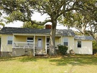 COTTAGE WITH, Morehead City